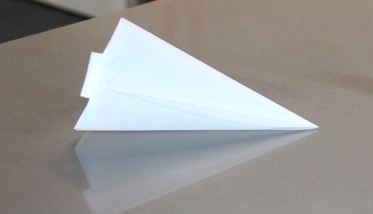 C mo hacer una manga o cono de papel para chocolate o for Como puedo hacer un cono